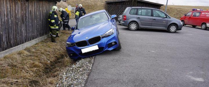 Schwierige Fahrzeugbergung (T1) am 28.03.2018